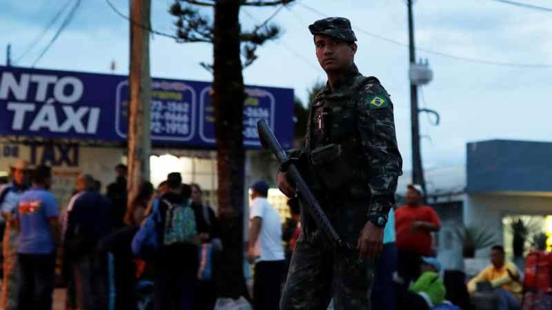 bresil-armee-frontieres-venezuela-refugies
