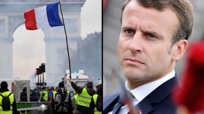 macron-panics-bank-run-yellow-vest-protests-678x381
